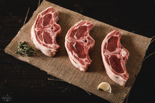 Lammkoteletts, Chobs aus dem Hals vom Juradistllamm