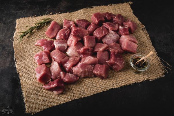 Schweinegulasch geschnitten
